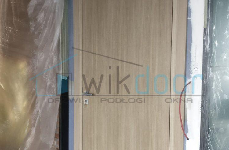 Montaż drzwi Interdoor w Zabłocie Business Park – Kraków