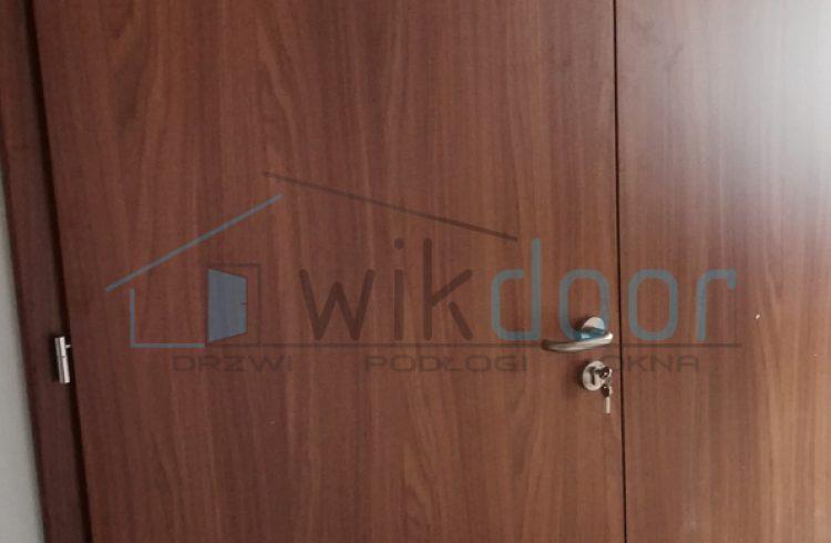 Montaż drzwi wewnętrznych Porta w Tymbarku