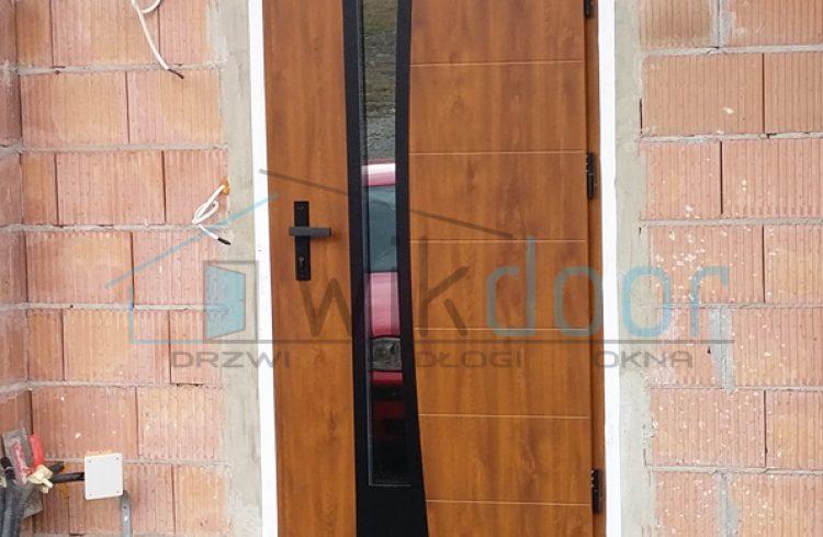 Montaż drzwi zewnętrznych WIKĘD w Siekierczynie